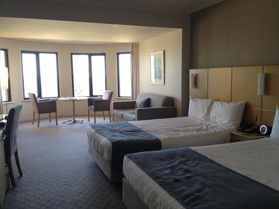 Stamford Grand Adelaide:                   room 504 overlooking jetty - plush