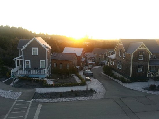 Seabrook Cottage Rentals:                   Sunrise from our room in Oceans Five