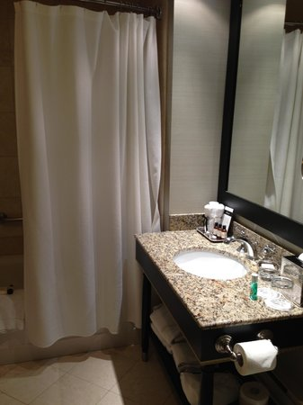The Fairmont Palliser: Bathroom