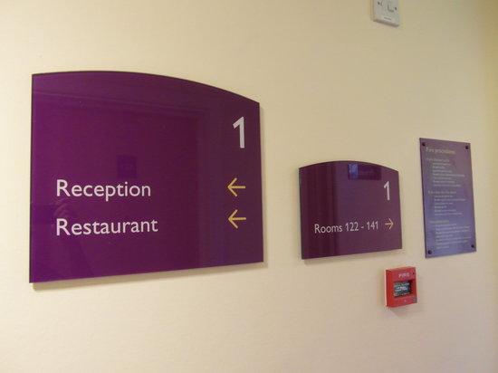 Premier Inn Welwyn Garden City Hotel: hallway view