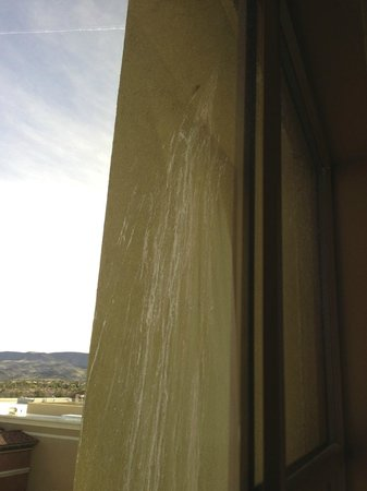 Green Valley Ranch Resort and Spa:                   outside view of poorly maintained building - paint? or just clean it