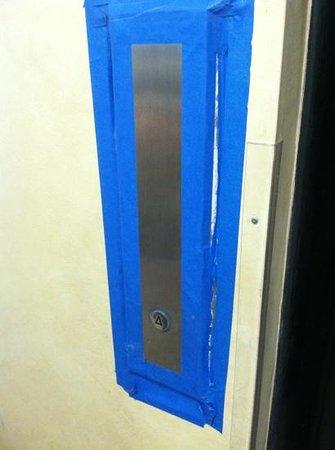 da Vinci Villa:                   ghetto elevator                 