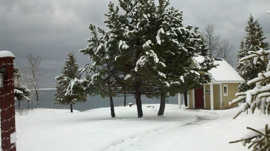 Larsmont Cottages on Lake Superior :                   Sauna Near Lake Superior Shore