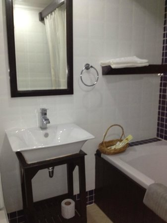 The Kool Hotel:                   Bathroom does not offer quality soaps or hygiene products.