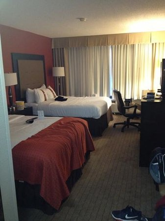 Holiday Inn Baton Rouge South Hotel:                   queen beds indoor