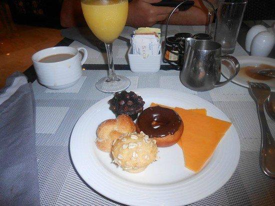 Secrets Maroma Beach Riviera Cancun:                   Dessert @ the buffet - endless options