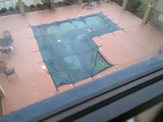Hampton Inn Canton: Pool
