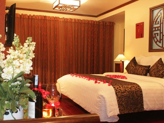 Golden Lotus Hotel: Honeymoon