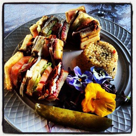 Oheka Castle:                                     Yummy