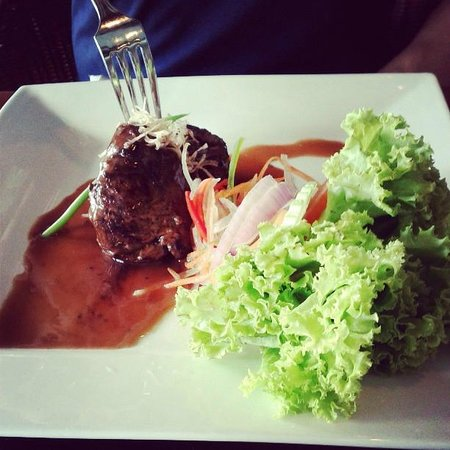 The Taaras Beach & Spa Resort: Beef medallion steak for lunch