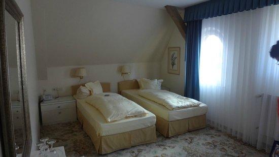 Hotel Eisenhut:                   Bedroom