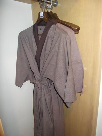 Novotel Bangkok on Siam Square: Bathrobes surprise