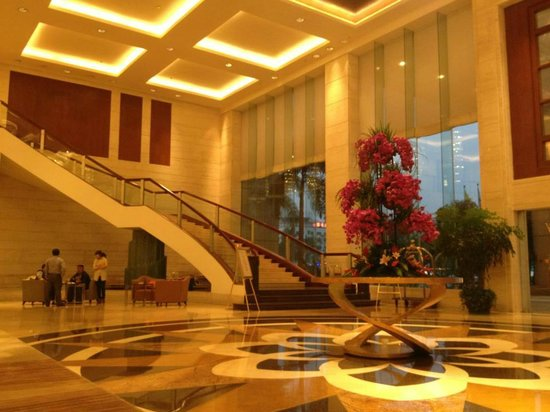Chamen Hotel: Hotel lobby