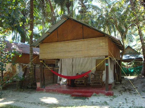 Island Vinnies Tropical Beach Cabana:                   The cabanas with personal hammocks and rocking chairs