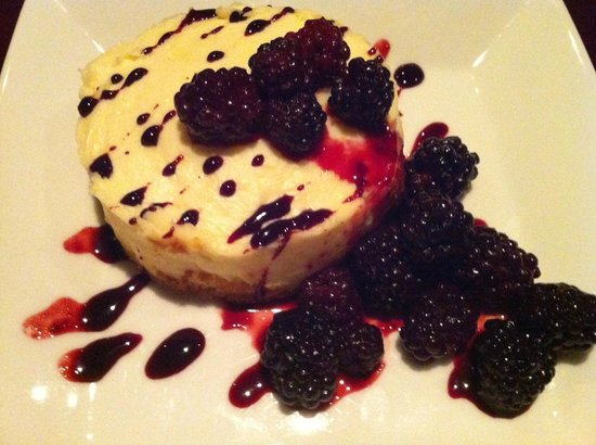 Globe Cafe & Tapas Bar : White Chocolate Blackberry Cheesecake