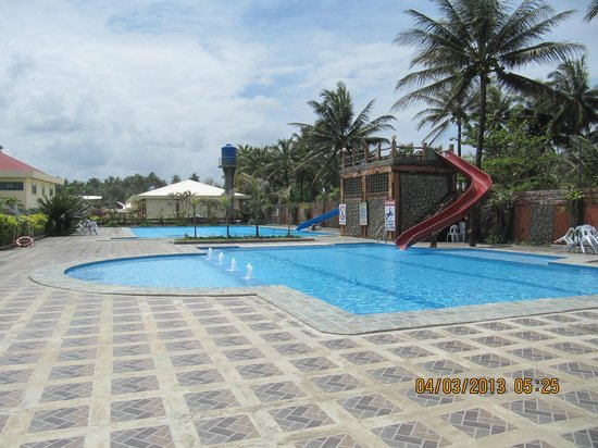 Tandag, Filippinerne:                   Swimming pool