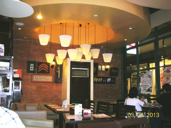 Bigby's Cafe:                   dining area