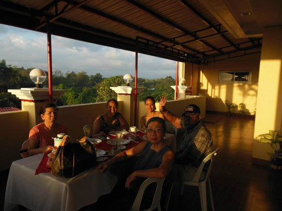 Voyagers Palace:                   Breakfast at the rooftop