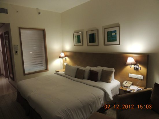Novotel Hyderabad Convention Centre:                   Comfy beds...but be wary of the glass panel while taking a bath...