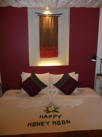 Maison Souvannaphoum Hotel:                                                       Happy Honeymoon Greeting
