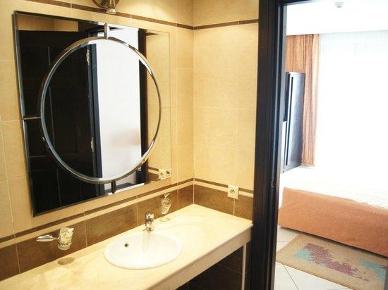 Hotel Yto: Standard Bathroom