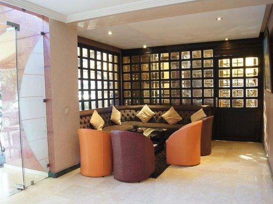 Hotel Yto: Reception Lobby