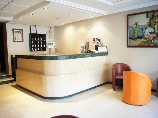 Hotel Yto: Reception