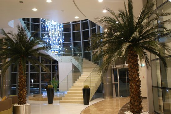 Novotel Abu Dhabi Gate:                   Beautiful Foyer