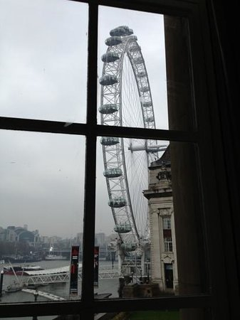 London Marriott Hotel County Hall:                   view of the Eye...but view of Big Ben is better!