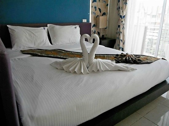 Kata Beach Center Hotel:                   Nice Touches