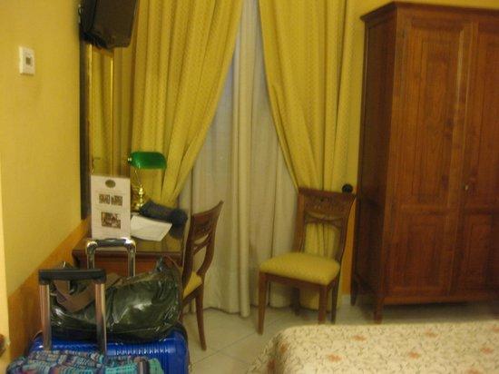 Hotel Chiusarelli:                   部屋
