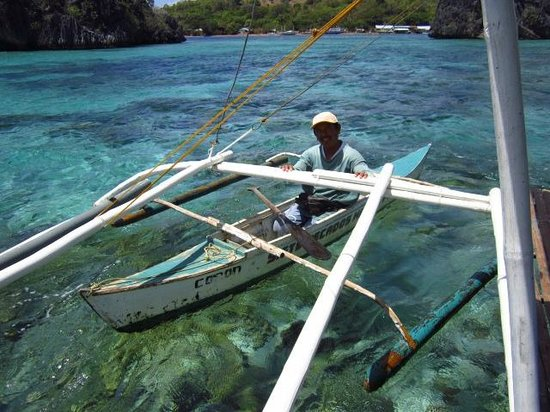 Siete Pecados:                   Sparkling clear waters and the fee collector