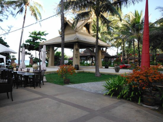 Kata Beach Resort and Spa:                                     Beach