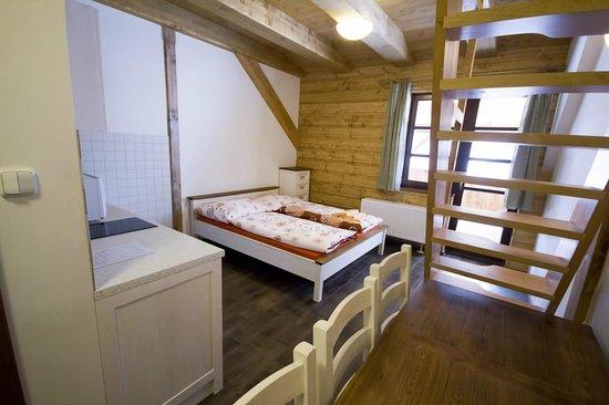Penzion Rzehaczek: Loznice 5luzkovy apartman, sypialnia 5cio osobowy apartament