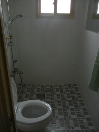 B&J Guest House :                                     bathroom with toilet