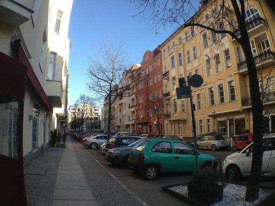 Hotel Pension Elegia:                   улочка рядом с отелем