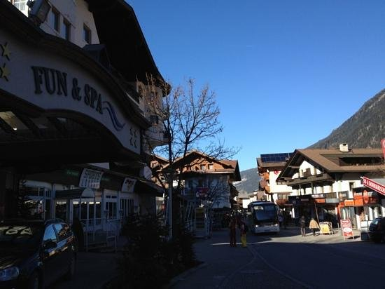 Sporthotel Strass: on the main street