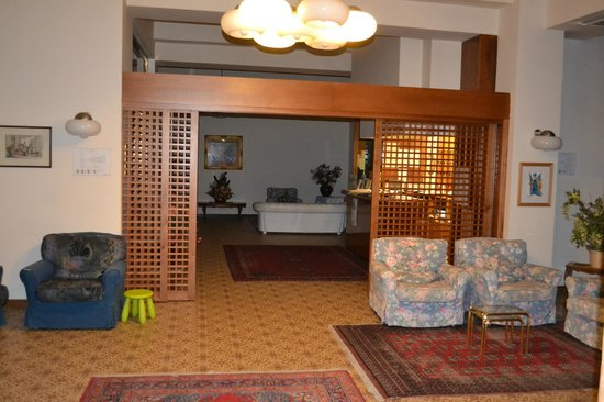 Hotel Continentale: La reception dell'hotel