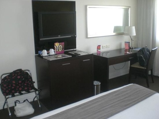 Novotel Sydney Norwest: 409 Flat Screen