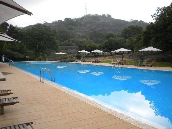 The Paradise Resort and Spa:                   piscina