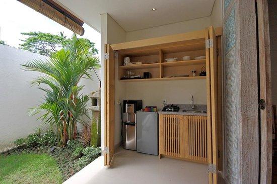 Villa Bali Asri Batubelig Kitchen Set Plunge Pool Villa
