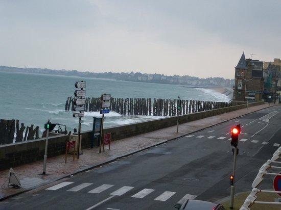 Ibis Saint Malo Plage :                   une partie de la vue
