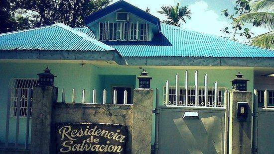 Residencia de Salvacion:                   The facade