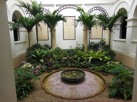 Chiang Mai City Arts and Cultural Centre: the building has some very nice courtyards