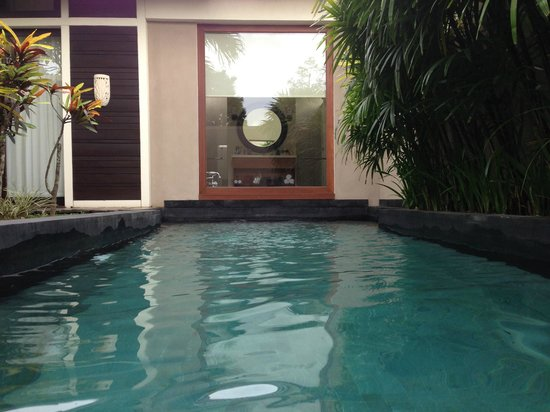 Anantara Vacation Club Bali Seminyak:                                     photo from sitting in the pool looking at the bathroom windo
