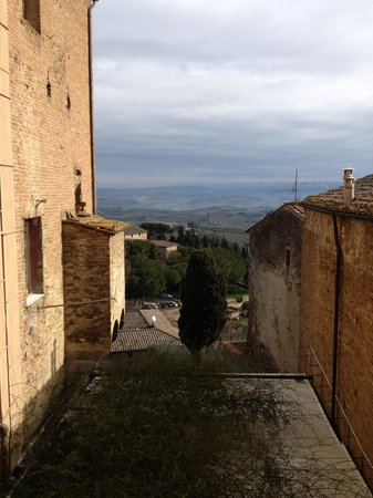 Appartementi Casa la Torre - Nomipesciolini:                                     The view from the bedroom