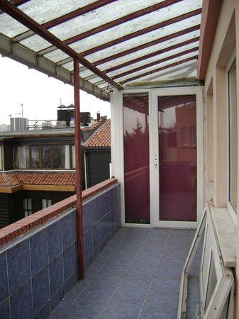 Sultan's Eye Comfort Hotel:                   веранда на 4-м этаже