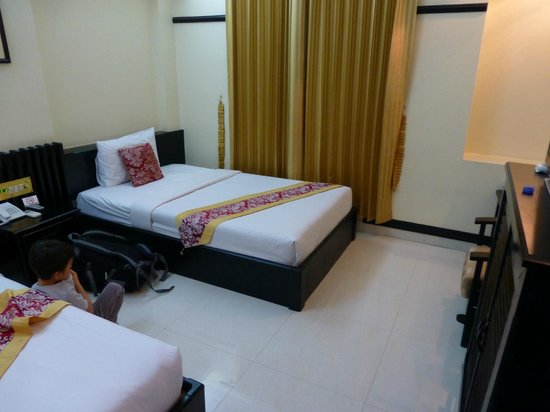 Salita Hotel:                   ツイン