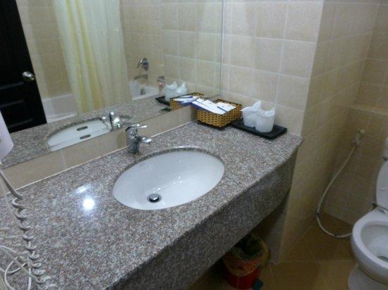 Salita Hotel:                   バスルーム