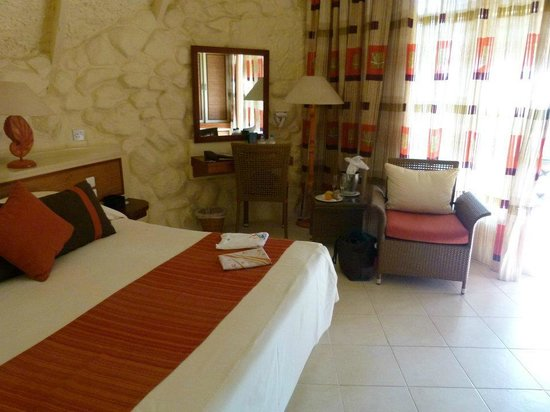 La Pirogue Resort & Spa:                   la chambre